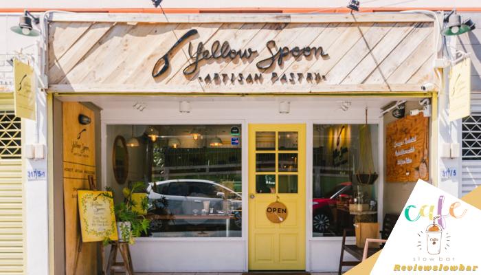 Yellow Spoon Pastry  เชื่อว่า คาเฟ่ขนมเค้ก ที่เรานำมาฝากกันในวันนี้นั้น ต้องเป็นร้านที่หลาย ๆ คนคุ้นเคยและรู้จักกันอย่างดีแล้วเป็นแน่ ๆ